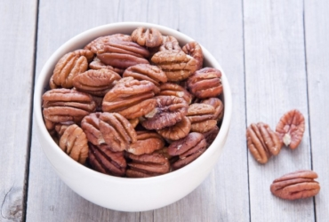 10 Valuable Health Benefits of Pecans
