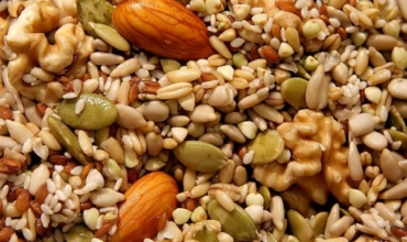 The Pros and Cons of Nuts on a Ketogenic Diet